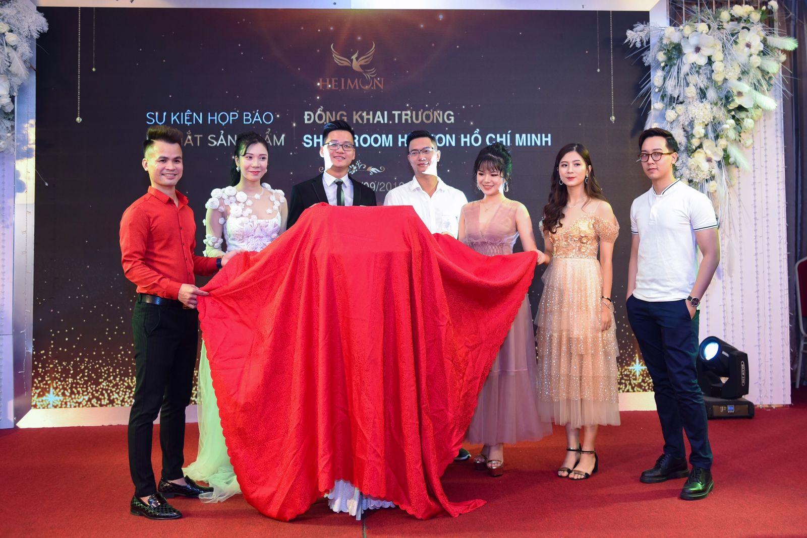 Khai trương Showroom TP Hồ Chí Minh -Ra mắt bộ sản phẩm cho nam, cải tiến bao bì cho bộ sảnphẩm nữ